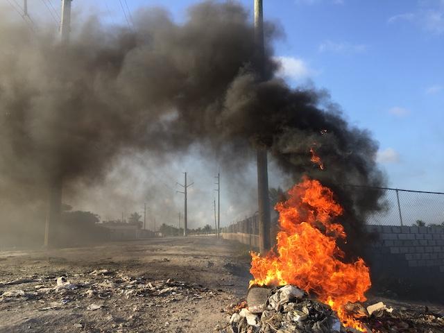 Plastik verbrennen in der Karibik