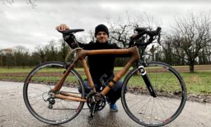 Michael mit Bambus-Fahrrad